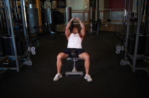 Вариант выполнения упражнения на блочном тренажере 2