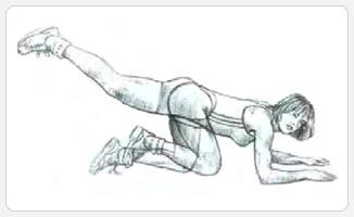 Махи ногой назад на полу - выполнение упражнения
