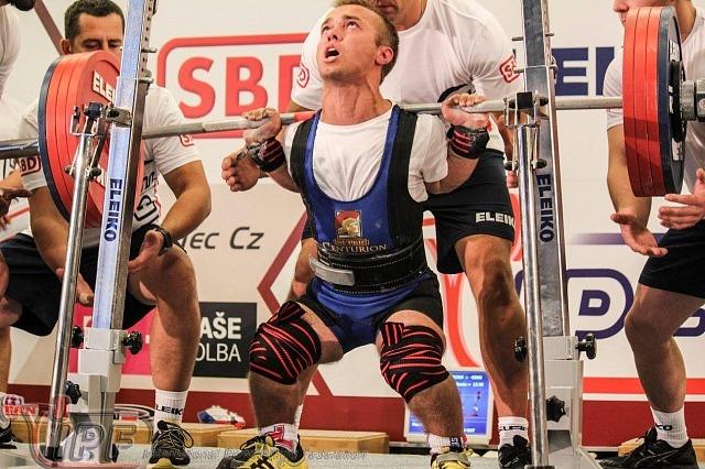 Вальчукас устанавливает мировой рекорд - 220 кг