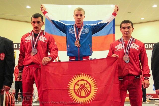 Сильнейшие на чемпионате юниоры категории до 59 кг