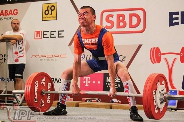 185 кг в исполнении Геннадия Ядне