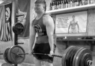 17-летний пауэрлифтер Макс Шетар демонстрирует безумную силу